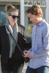Julia Roberts Leaving Urgent Care With Husband Danny - Malibu 05/13/2017