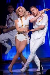 Julianne Hough Performs on Tour in New York 05/06/2017
