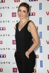 "Julie Gayet – ""Just One Look"" TV Show Photocall in Paris 05/11/2017"