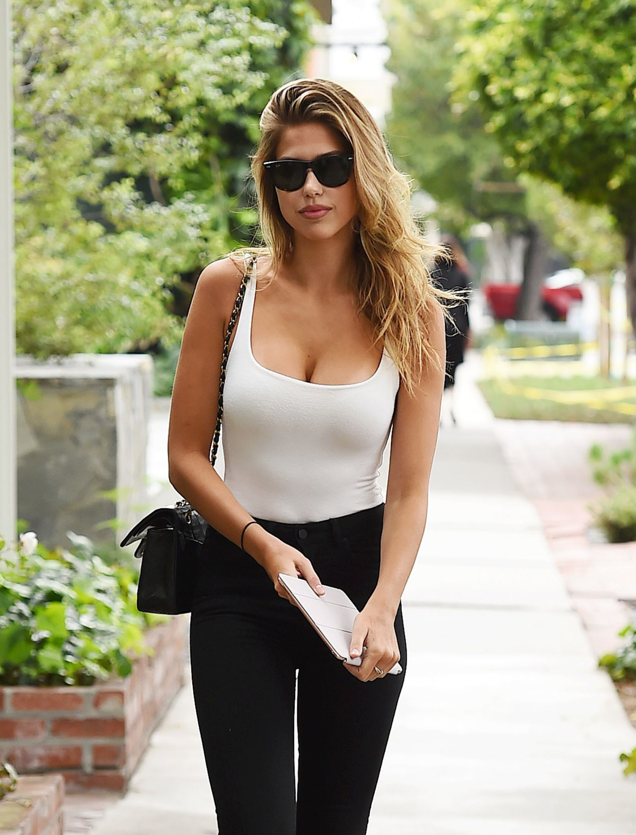 Kara Del Toro Street Fashion - Los Angeles 05102017-3073