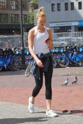 Karlie Kloss - Enjoys a Stroll in Manhattan in NYC 05/15/2017