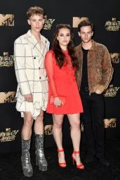 Katherine Langford – MTV Movie and TV Awards in Los Angeles 05/07/2017