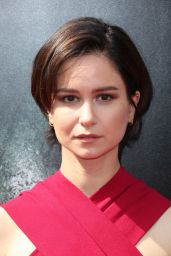 Katherine Waterston at Sir Ridley Scott Hand and Footprint Ceremony in Hollywood 05/17/2017