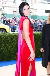 Katie Lee at MET Gala in New York 05/01/2017