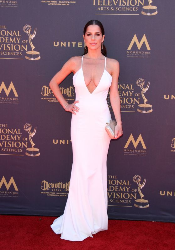 Kelly Monaco – Daytime Emmy Awards in Los Angeles 04/30/2017
