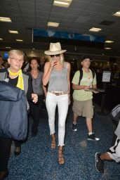 Kelly Rohrbach Chic Street Style - Miami International Airport 05/11/2017