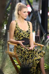 "Kelly Rohrbach – Promotes ""Baywatch"" Movie in Miami Beach 05/13/2017"