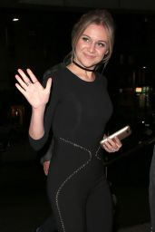 Kelsea Ballerini - Out in Mayfair, London 05/10/2017