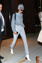 Kendall Jenner Style - Leaving Her Apartment in New York City 05/03/2017
