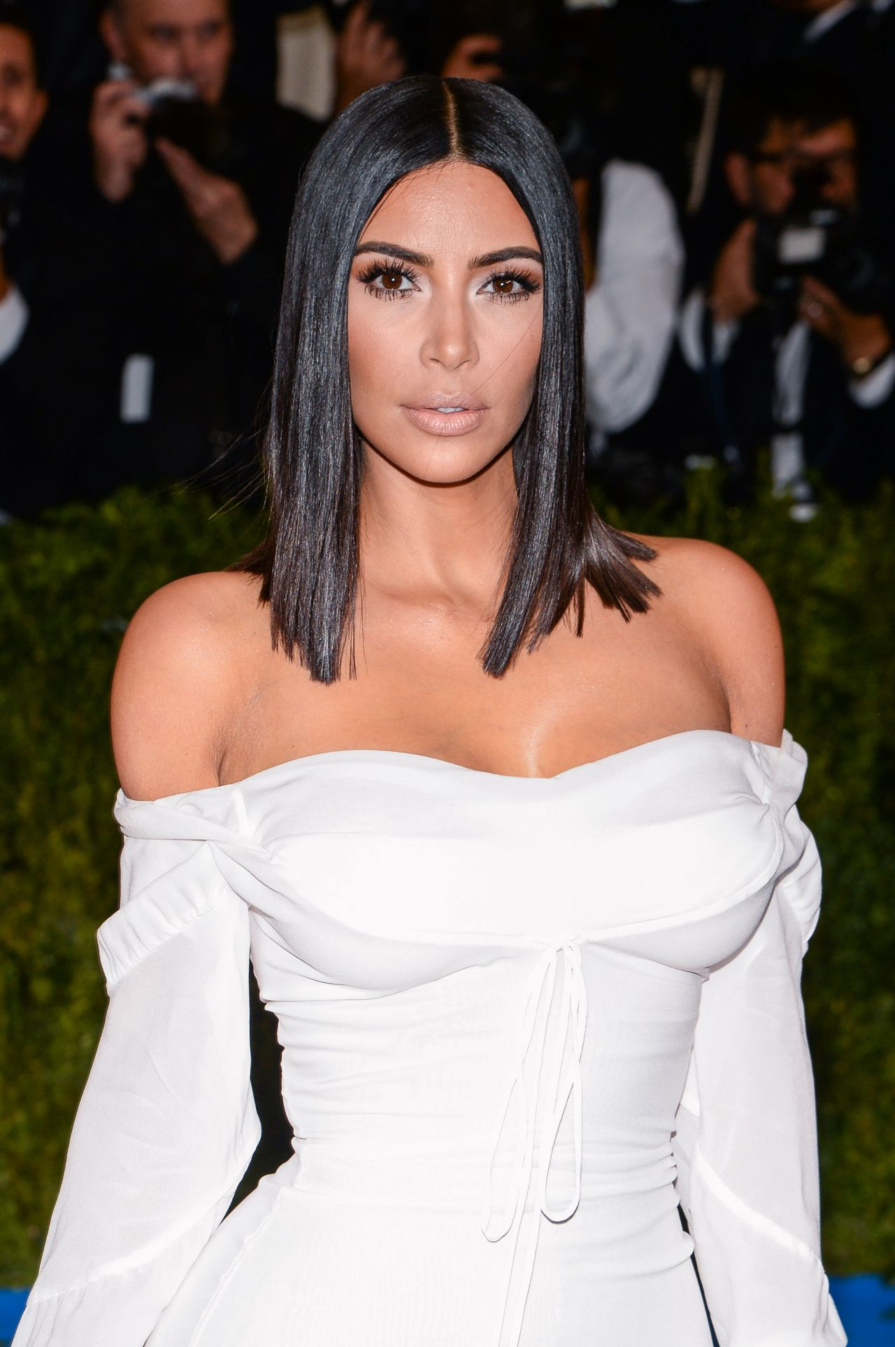 Kim Kardashian At Met Gala In New York 05012017-1351