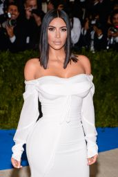 Kim Kardashian at MET Gala in New York 05/01/2017