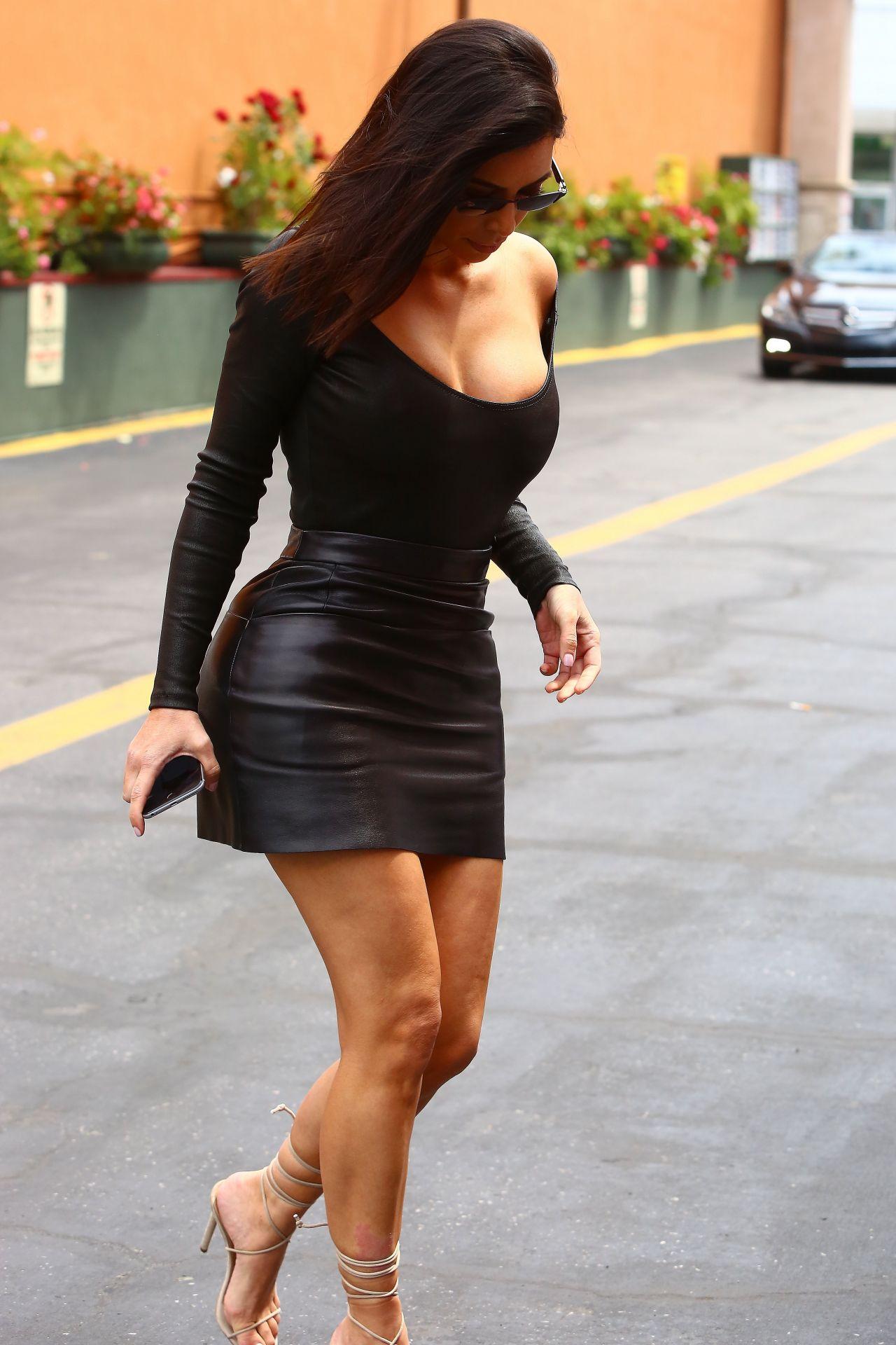 Kim Kardashian In Skintight Black Outfit Arrives To Film