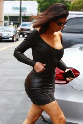 Kim Kardashian in Skintight Black Outfit - Arrives to Film KUWTK in Studio City 05/08/2017