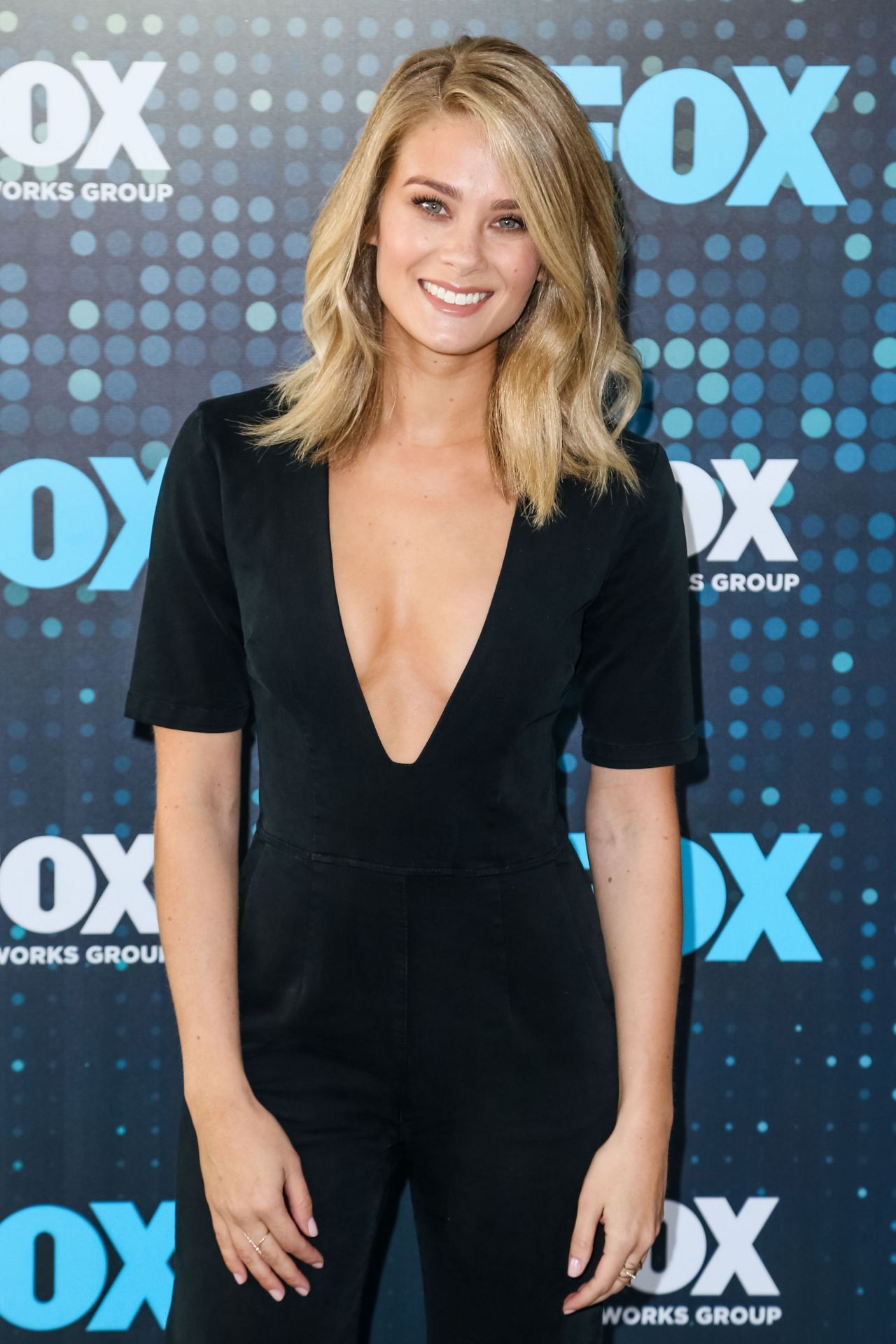 Kim Matula Fox Upfront Presentation In Nyc 05 15 2017