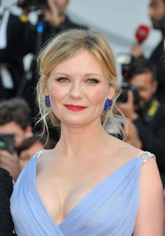 """Kirsten Dunst at """"The Beguiled"""" World Premiere – Cannes Film Festival 05/24/2017"""