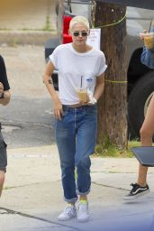 Kristen Stewart - Out in New Orleans, Louisiana 05/29/2017