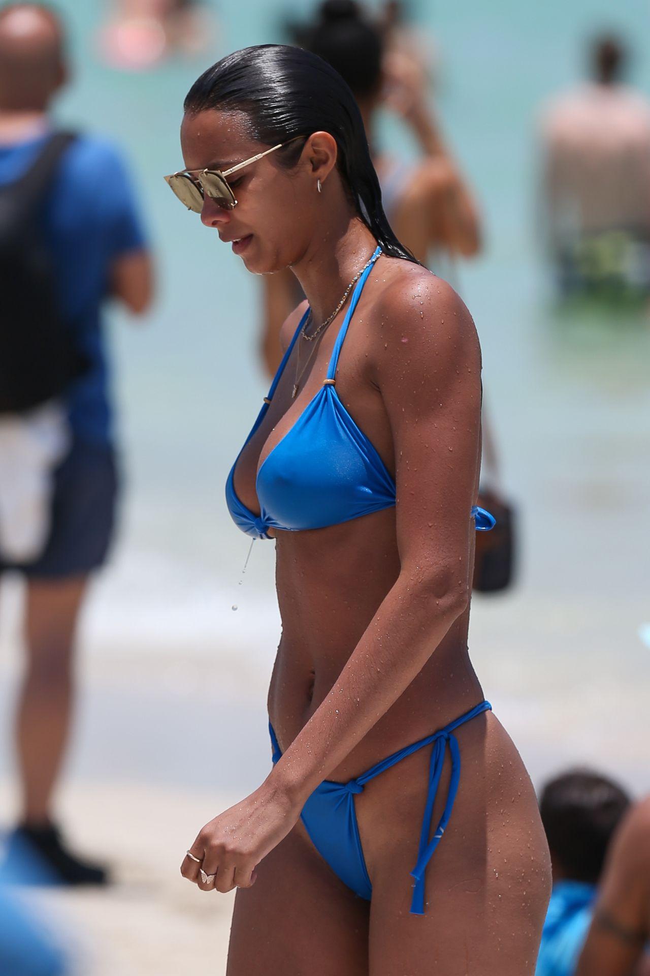 Lais Ribeiro in Bikini in Miami