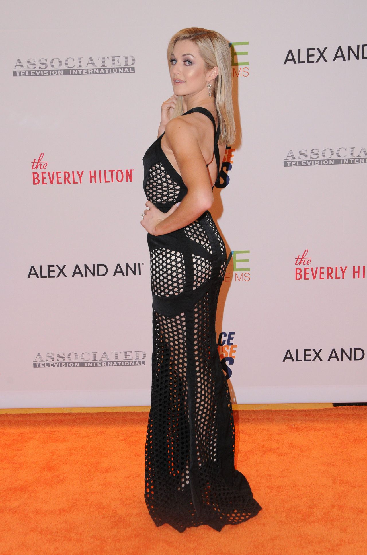 Lindsay Arnold Race To Erase Ms Gala In Beverly Hills 05
