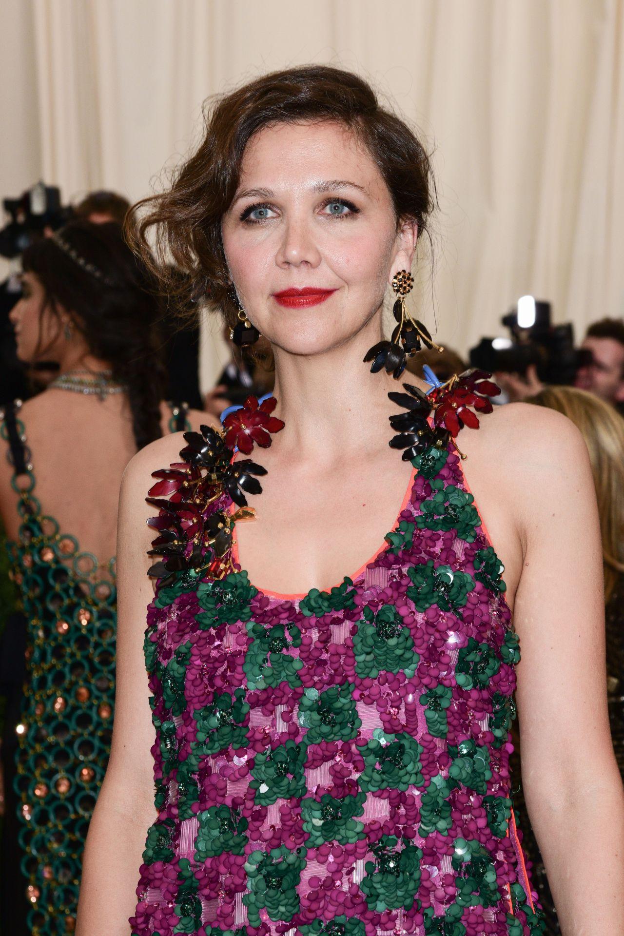 Maggie Gyllenhaal at MET Gala in New York 05/01/2017 Maggie Gyllenhaal
