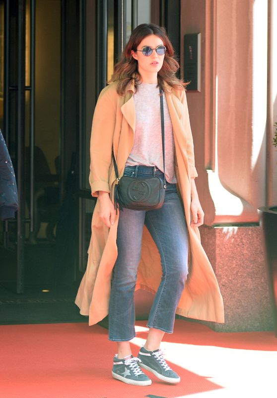 Mandy Moore Street Style - Out in New York 05/02/2017