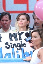 """Miley Cyrus - """"Access Hollywood Live"""" on Location in NYC 05/17/2017"""