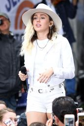 """Miley Cyrus Performs Live - NBC """"Today"""" Show in New York 05/26/2017"""
