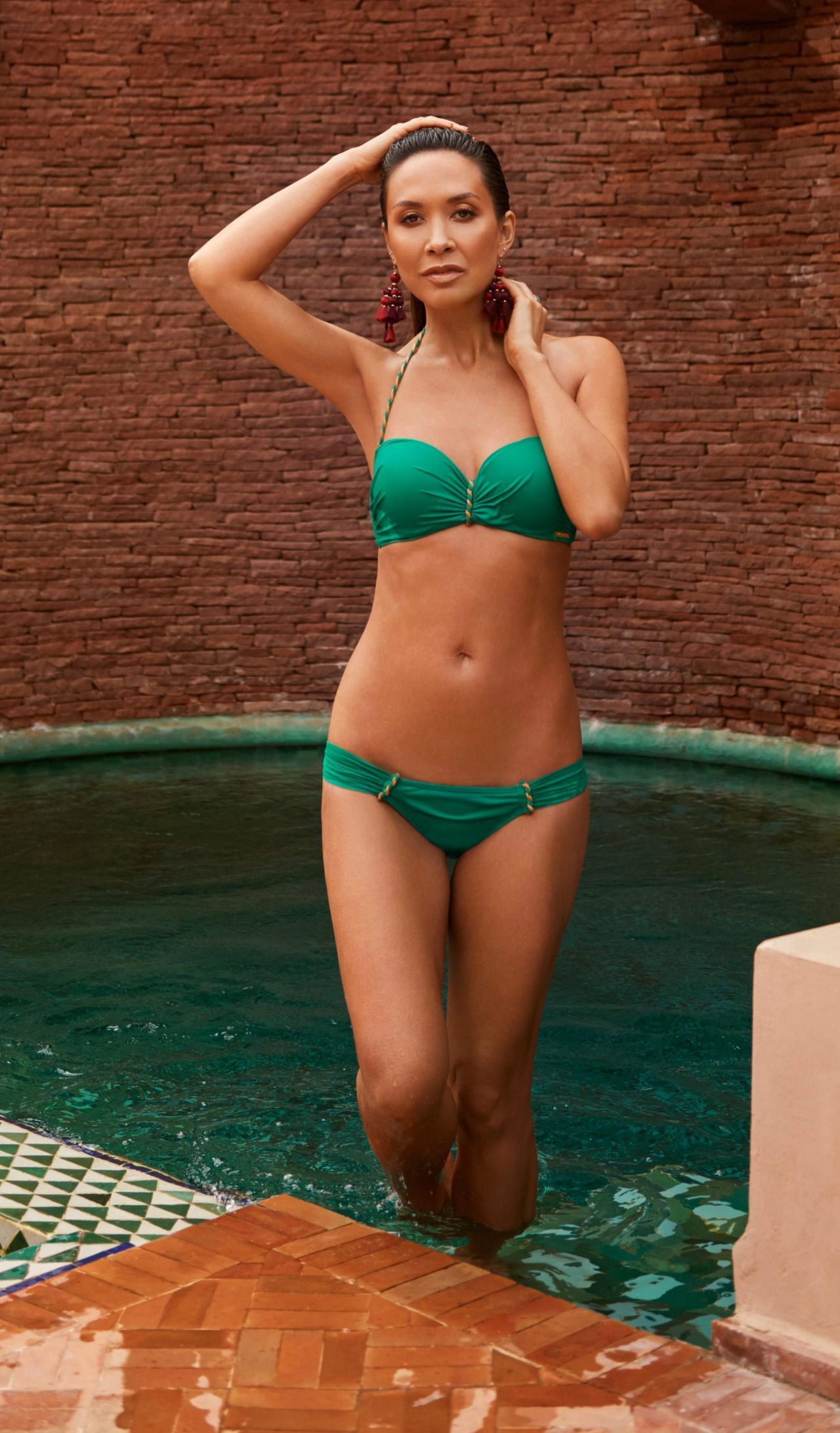Possible fill myleene klass bikini pictures variant