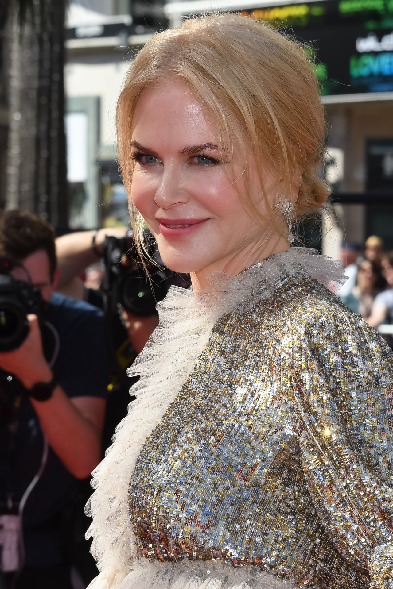 Nicole Kidman On Red Carpet How To Talk To Girls At Parties