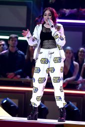 Noah Cyrus Performs at MTV Movie And TV Awards in LA 05/07/2017