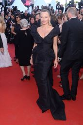 """Pamela Anderson – """"120 Beats Per Minute"""" Premiere, Cannes Film Festival 05/20/2017"""
