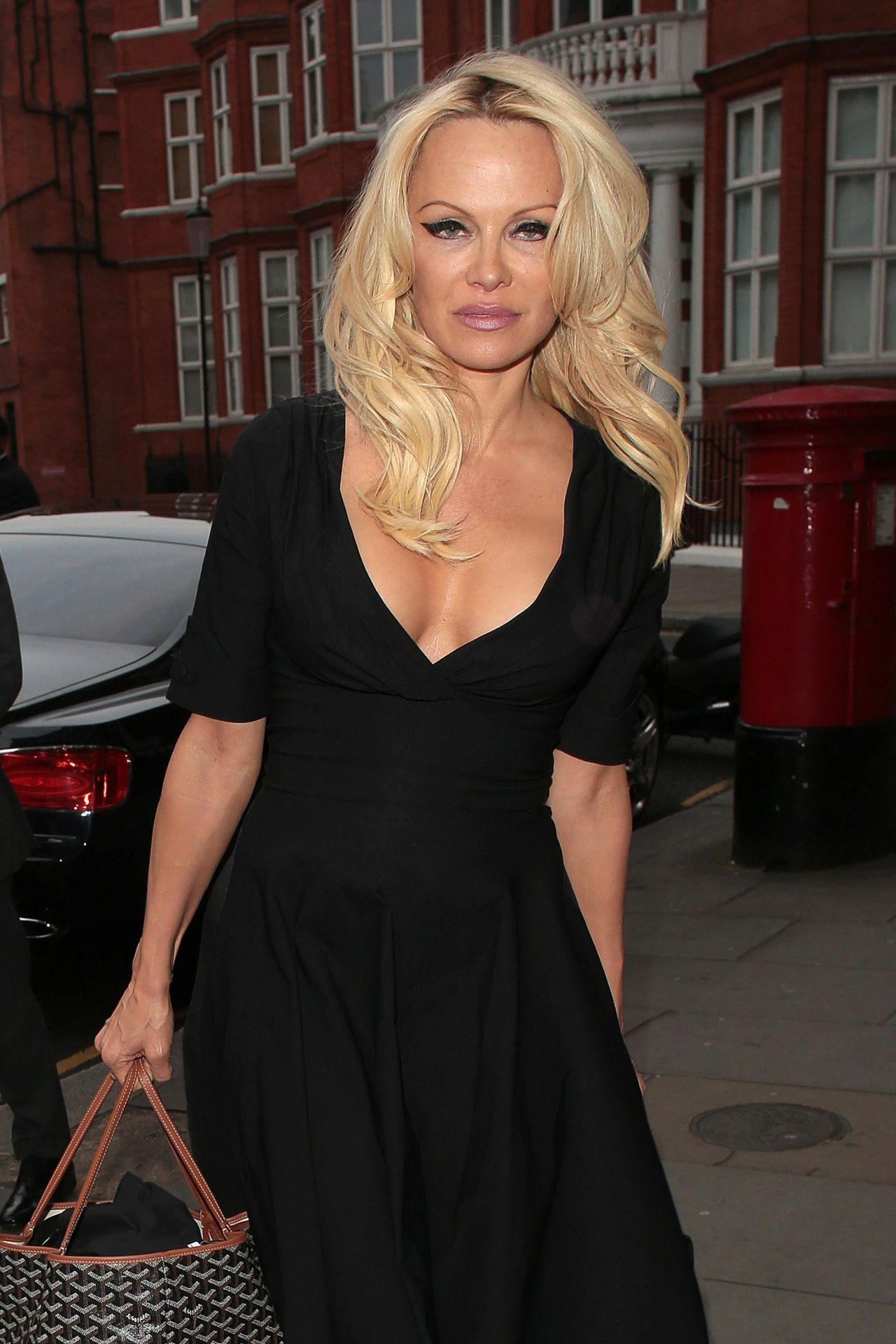 Pamela Anderson - Arriving At Ecuadorian Embassy in London ... Pamela Anderson