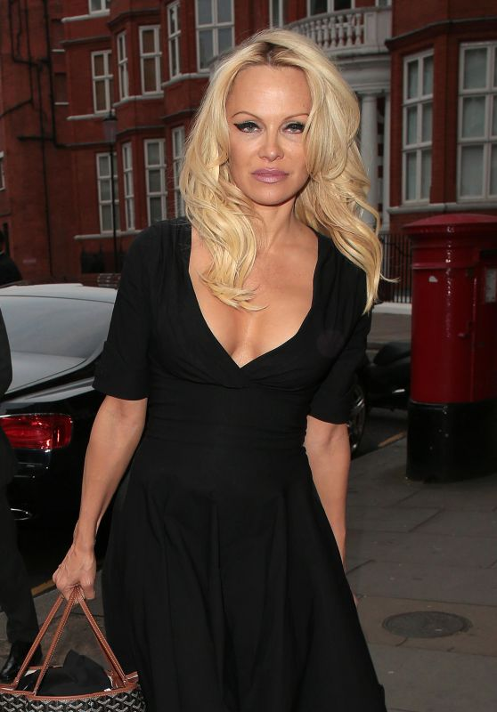 Pamela Anderson - Arriving At Ecuadorian Embassy in London 05/02/2017