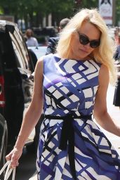Pamela Anderson Chic Street Style - Leaving the George V Hotel in Paris 05/17/2017