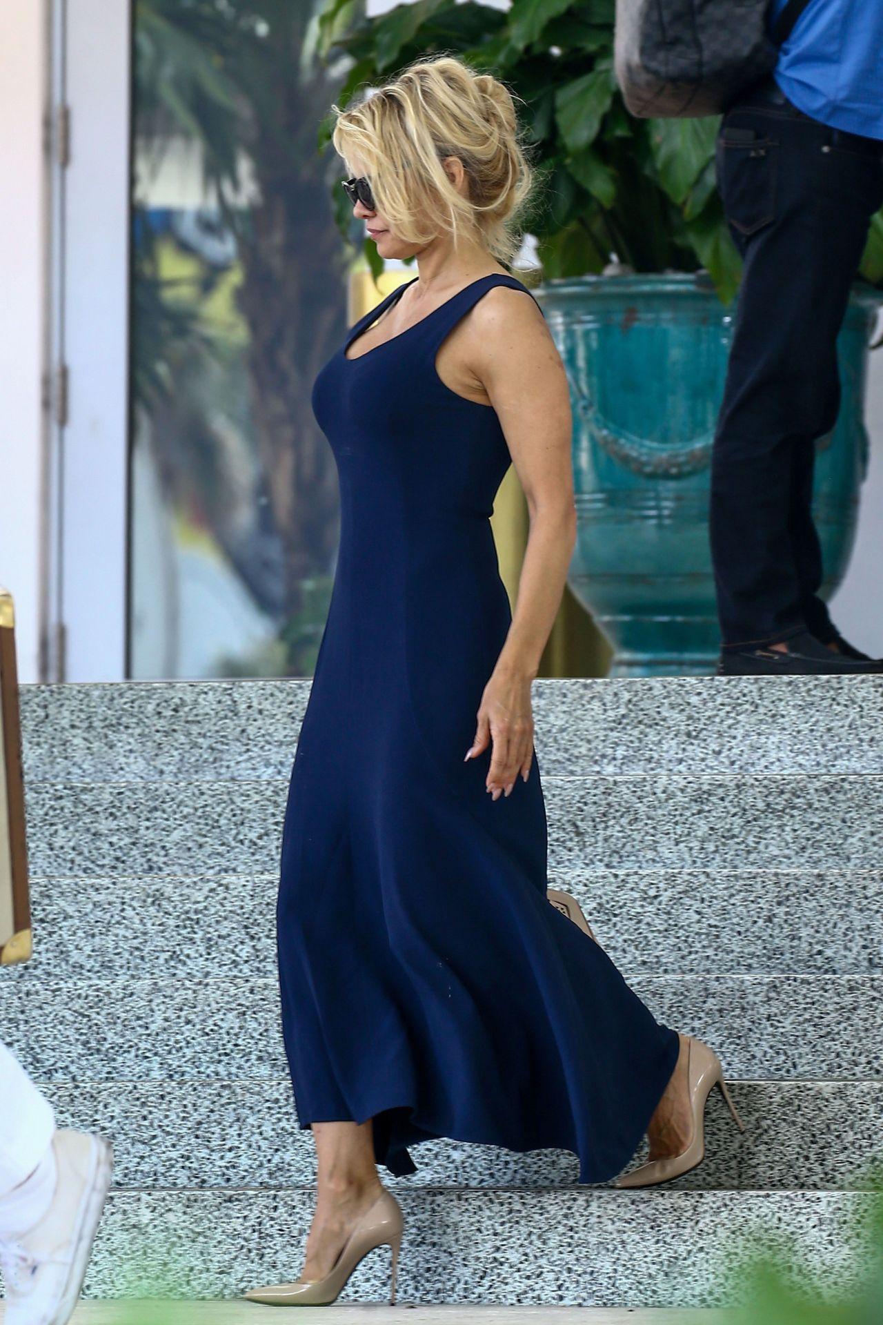 Pamela Anderson Fashion Style Miami 05 14 2017