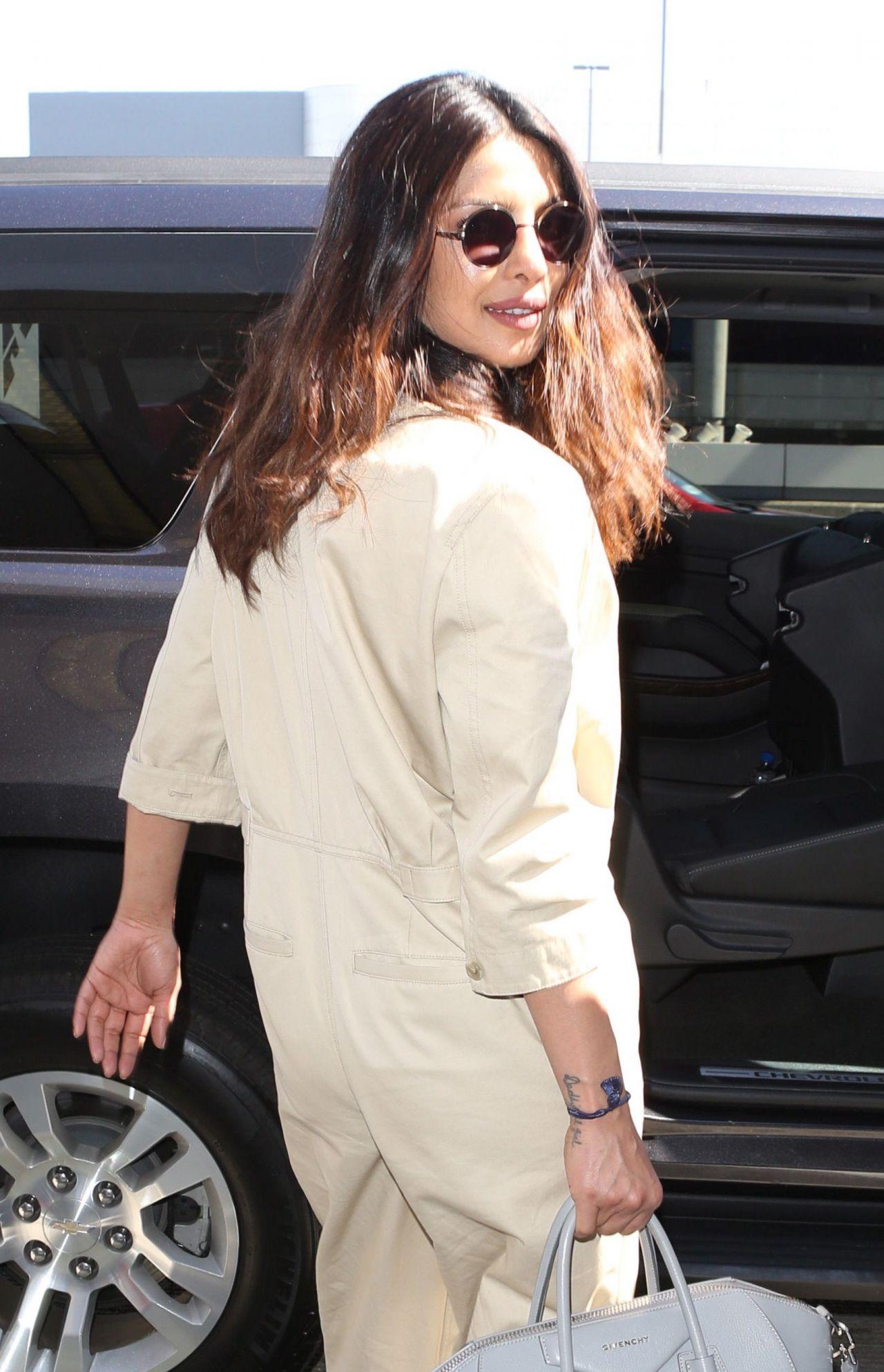 Priyanka Chopra Arriving At Lax Airport In Los Angeles