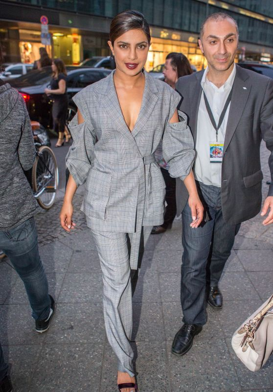Priyanka Chopra at the Borchardt Restaurant in Berlin 05/30/2017