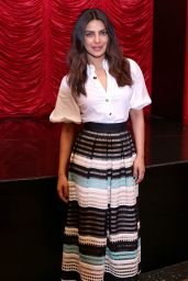 "Priyanka Chopra – ""Baywatch"" Press Conference in South Beach Miami 05/14/2017"