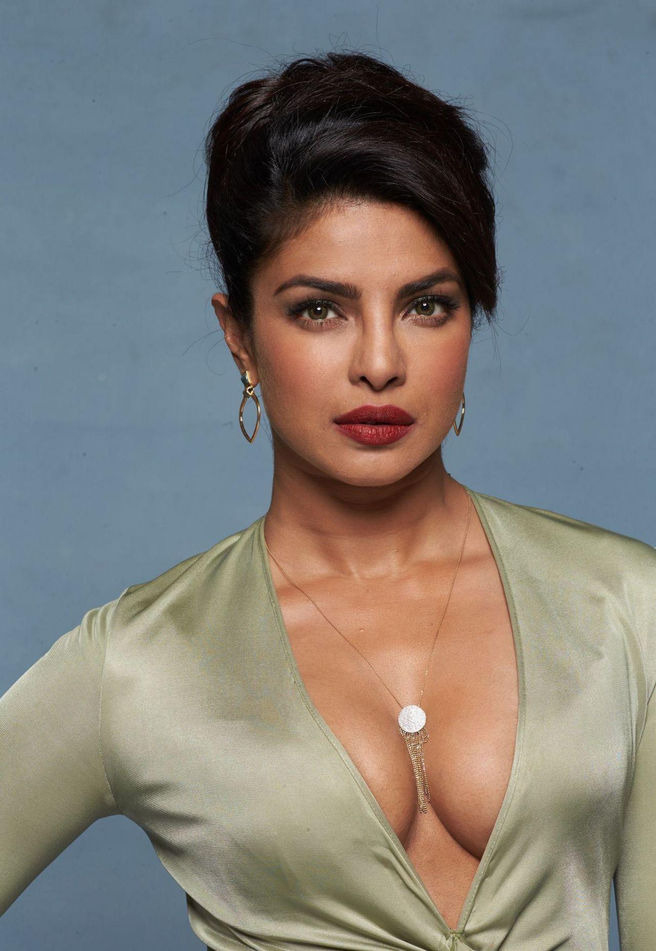 Priyanka Chopra - Baywatch Promoshoot 2017-8218