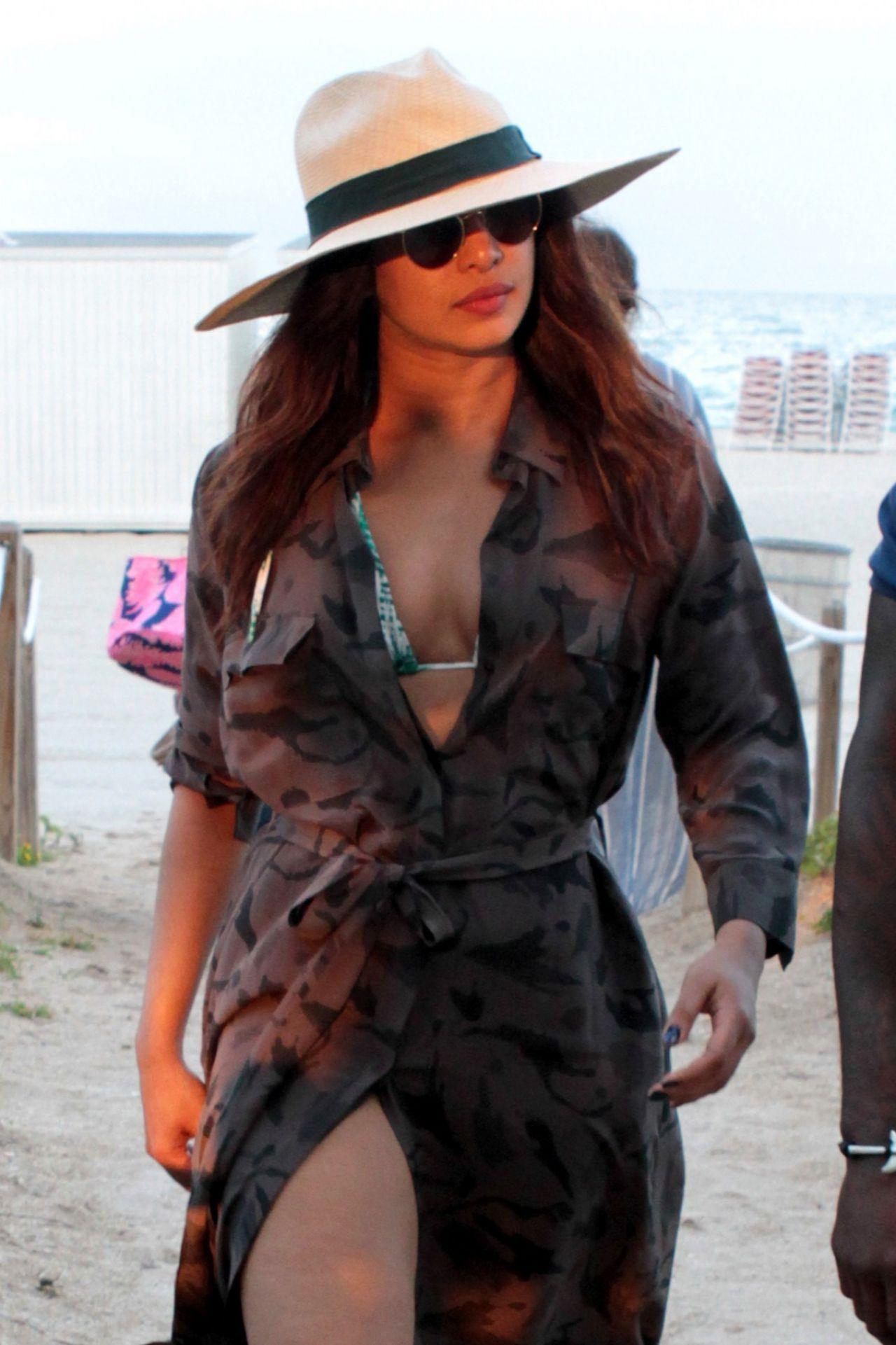Priyanka Chopra On The Beach In Miami Beach 05 14 2017