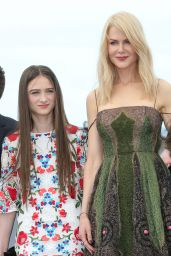 "Raffey Cassidy at ""The Killing of a Sacred Deer"" Photocall – Cannes Film Festival 05/22/2017"