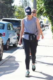 Reese Witherspoon in Spandex - Morning workout in Brentwood 05/07/2017