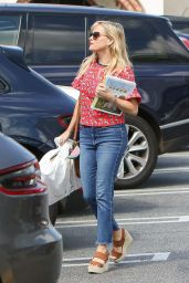 Reese Witherspoon - Out in Los Angeles 05/16/2017