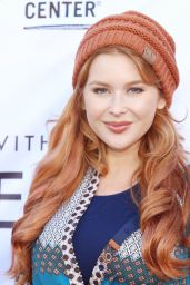 "Renee Olstead – LGBT Center's ""An Evening With Women"" in LA 05/13/2017"
