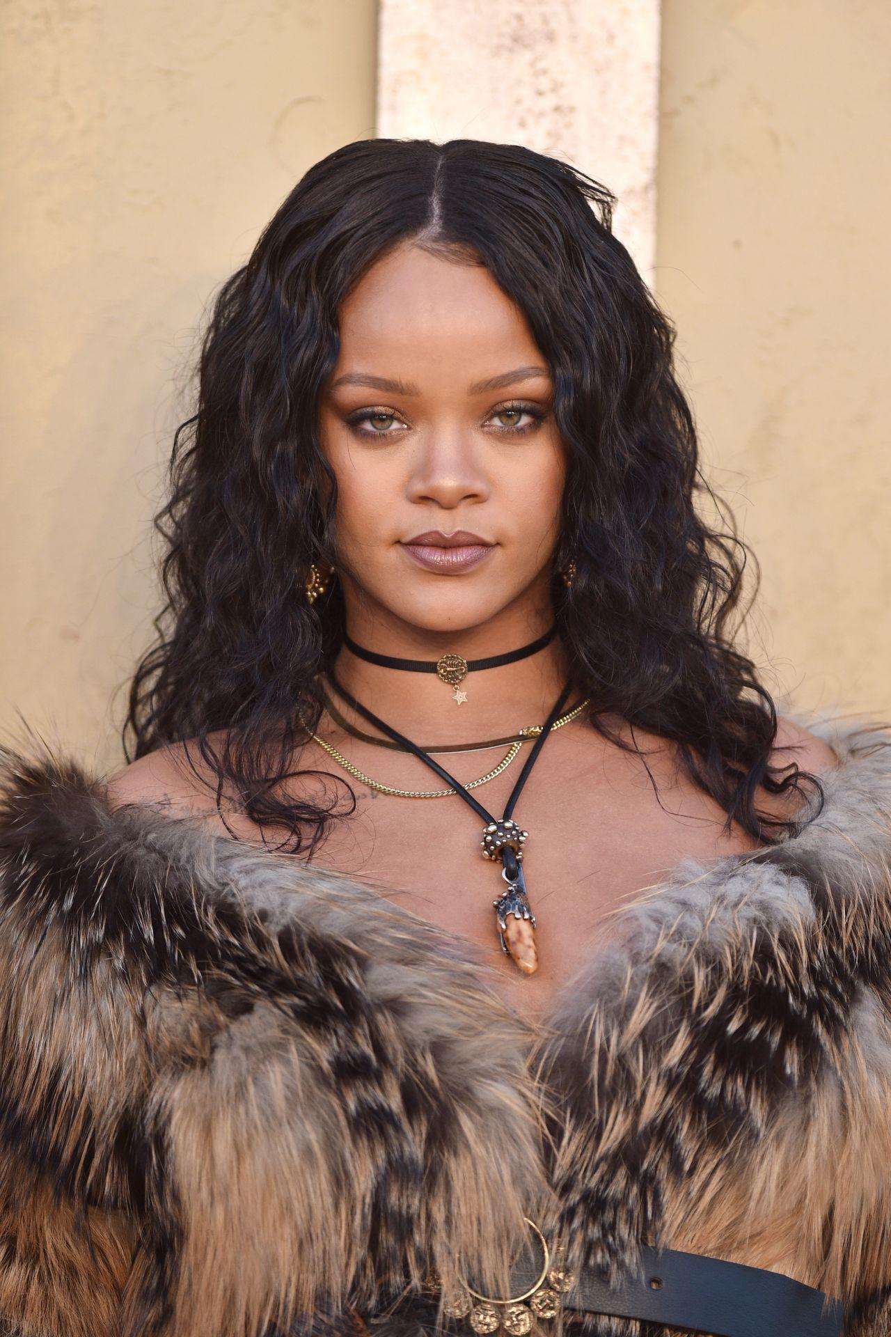 Rihanna – Christian ... Rihanna 2018