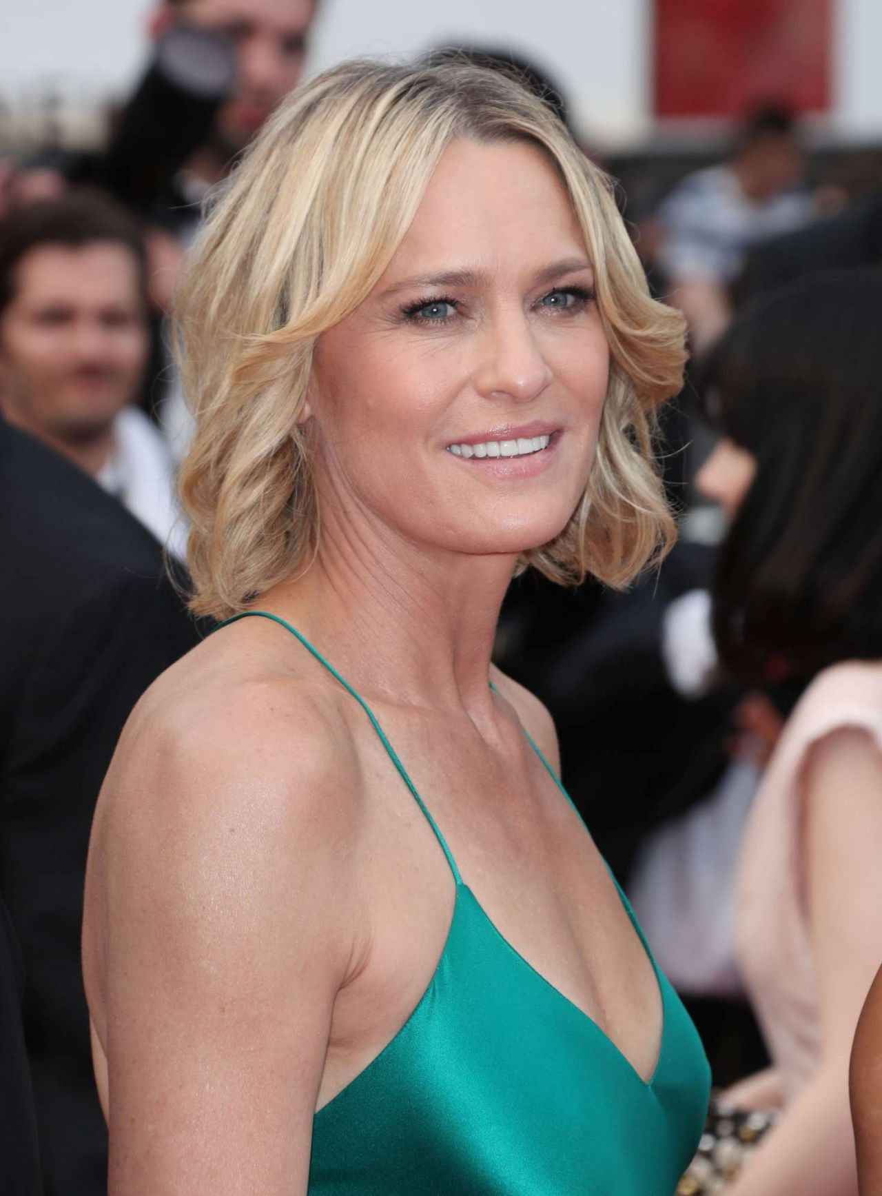 Robin wright loveless nelyubov screening at cannes film festival naked (44 pics)
