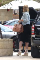 Rosie Huntington-Whiteley Street Fashion - Malibu 05/11/2017