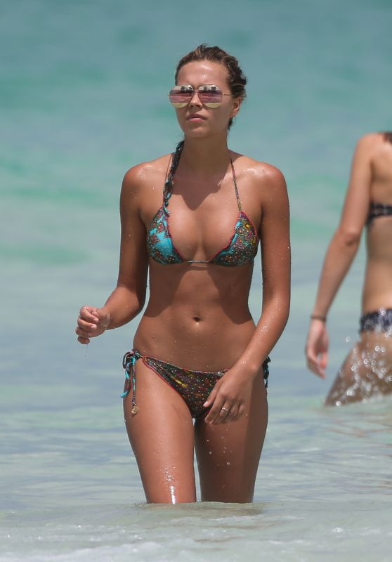 Sandra Kubicka in Bikini - Miami Beach 05/27/2017