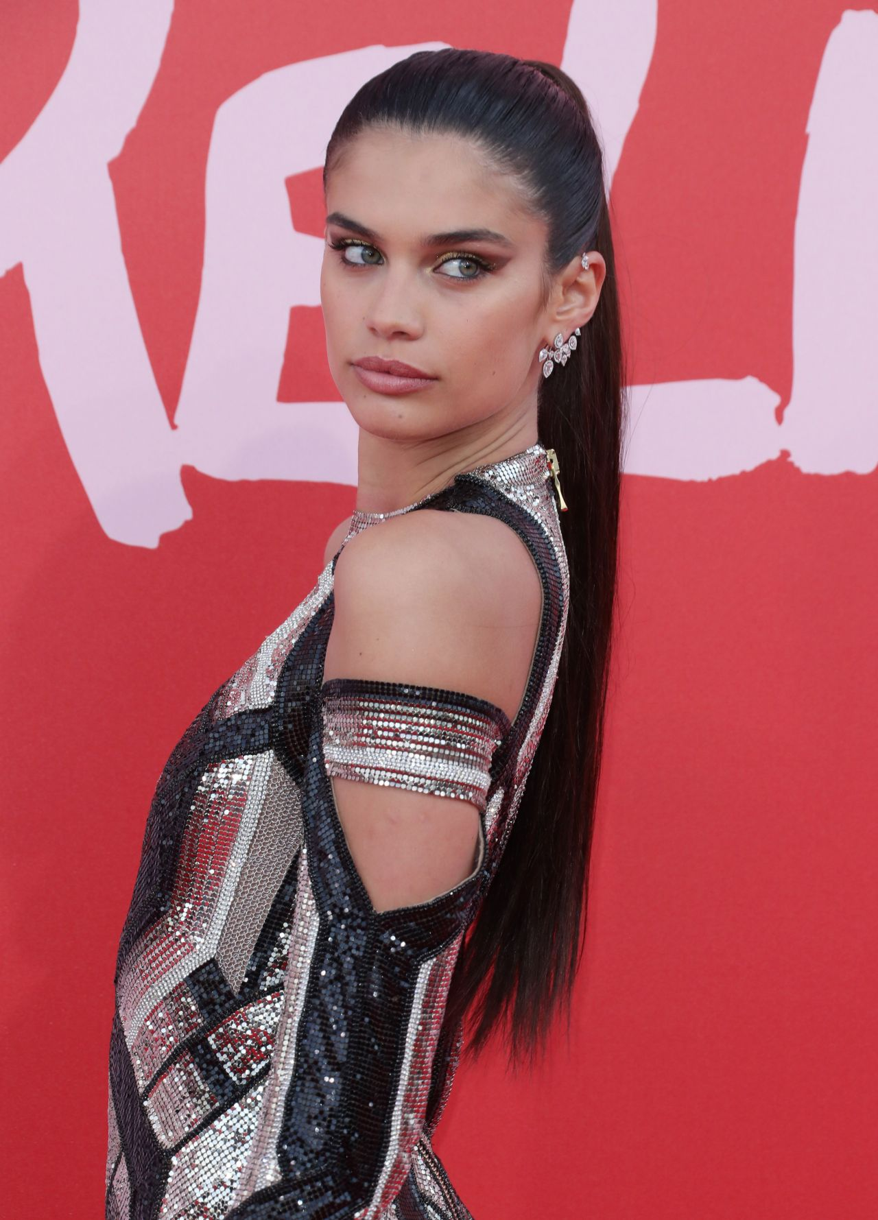 Sara Sampaio U2013 Fashion For Relief U2013 Cannes Film Festival