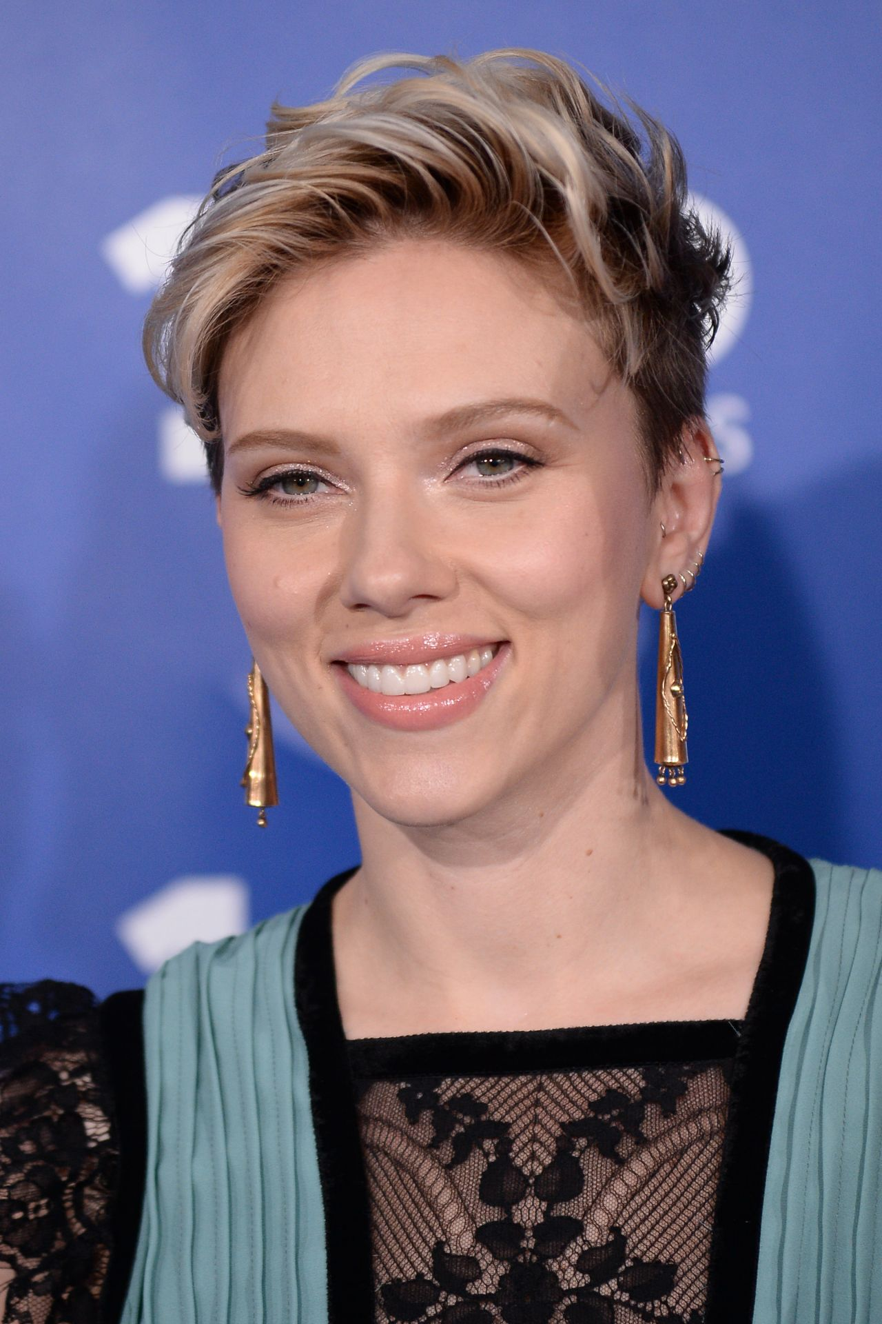 Scarlett Johansson - P...