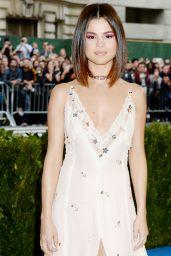 Selena Gomez - MET Gala at The Metropolitan Museum of Art in New York 05/01/2017